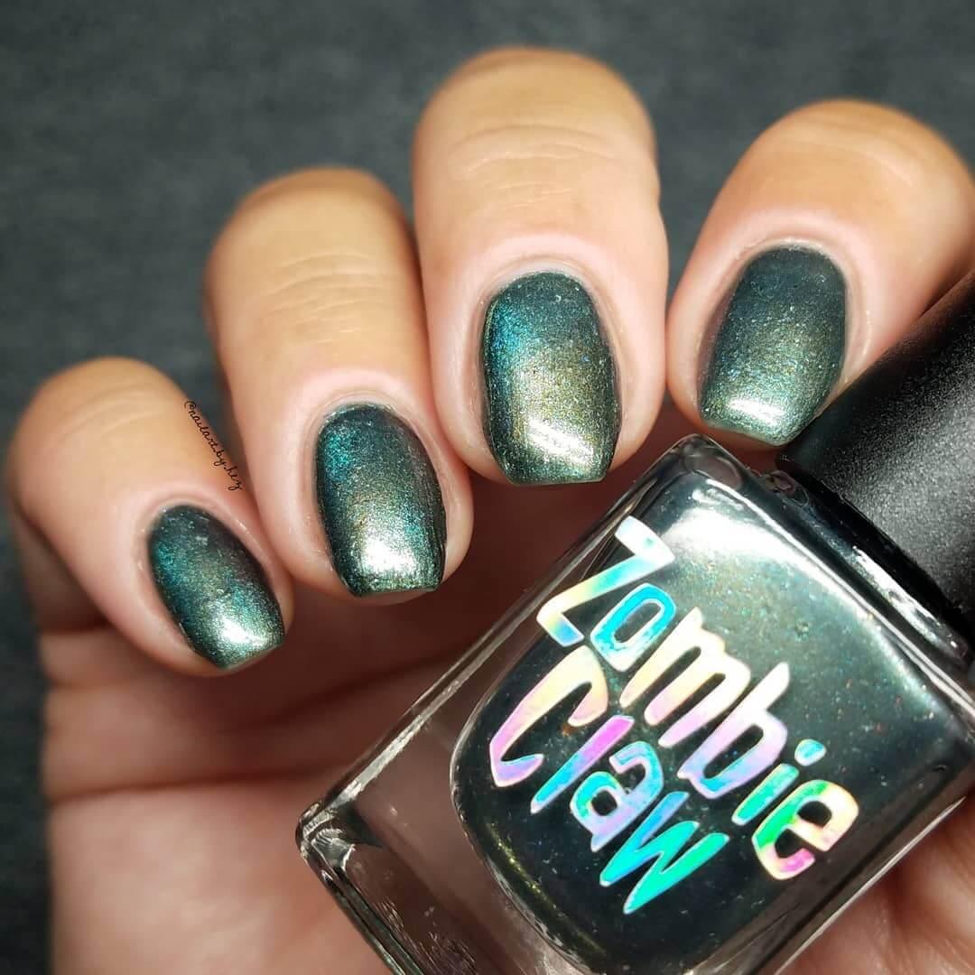 uñas verde efecto metal