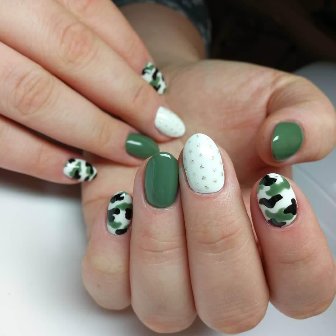 uñas verde militar con blanco