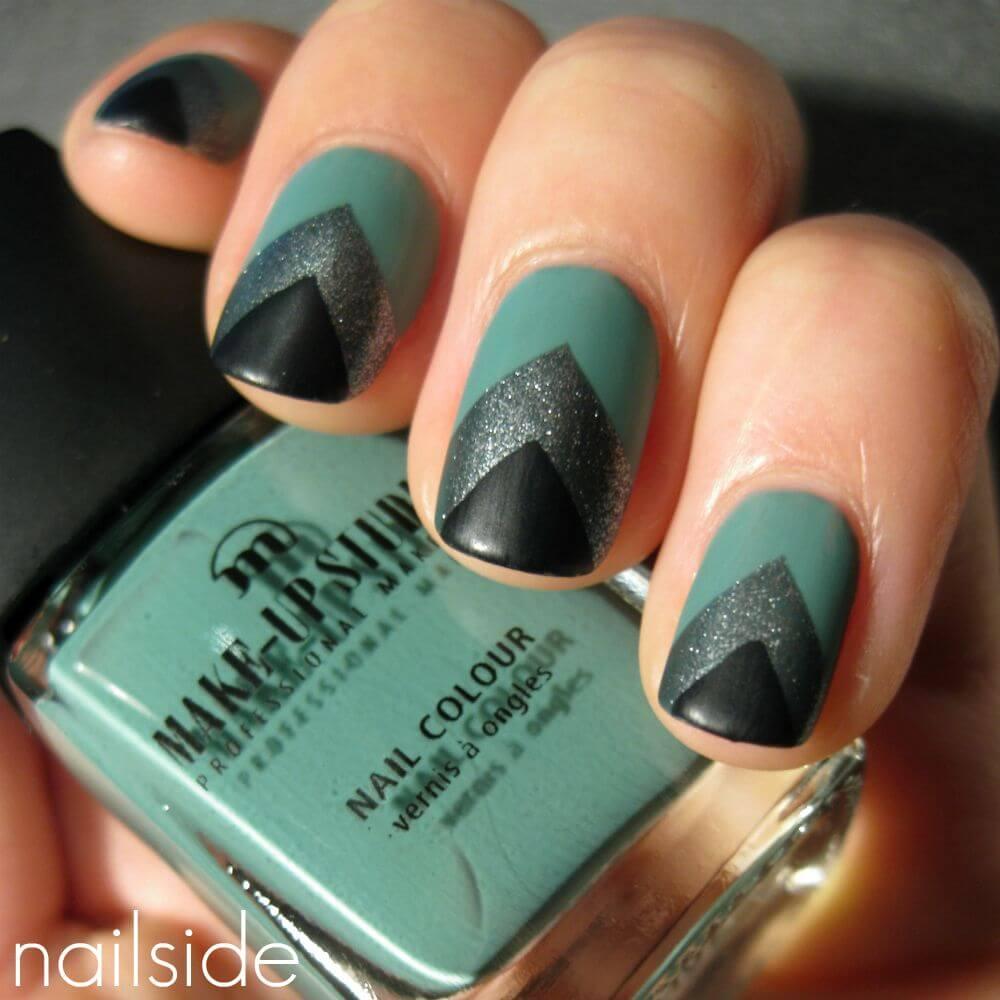 uñas verde militar con plata y negro