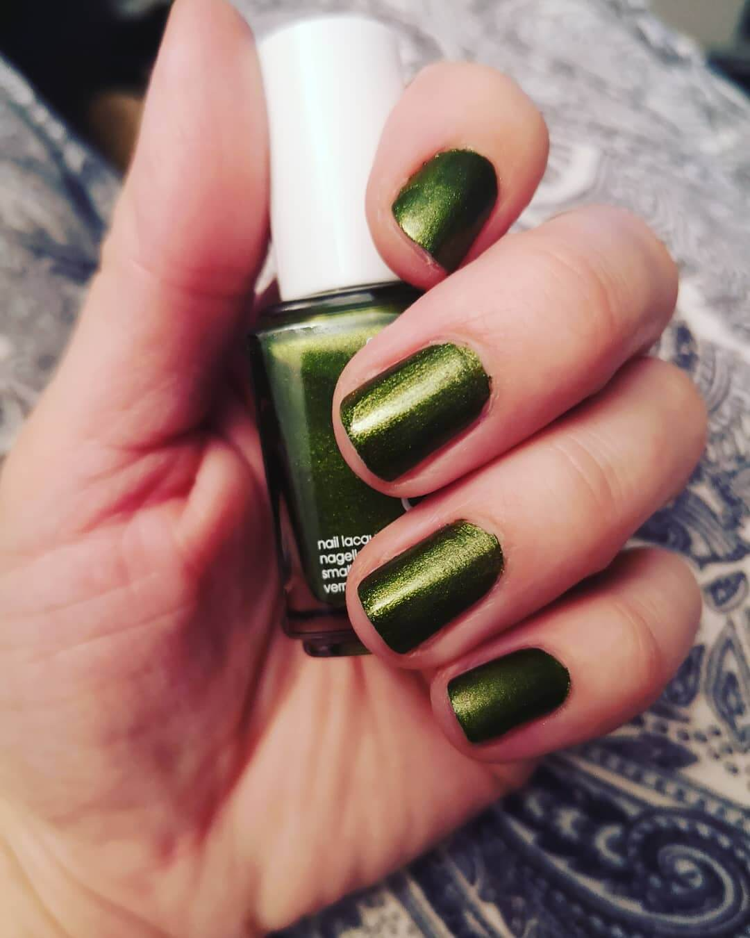 uñas verde nacarado