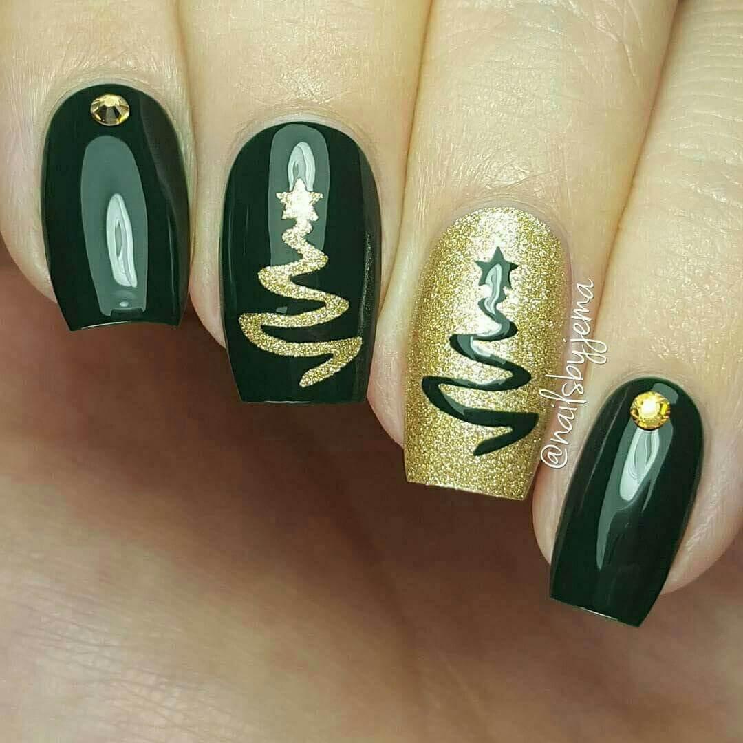 uñas verdes con dorado estilo navideñas
