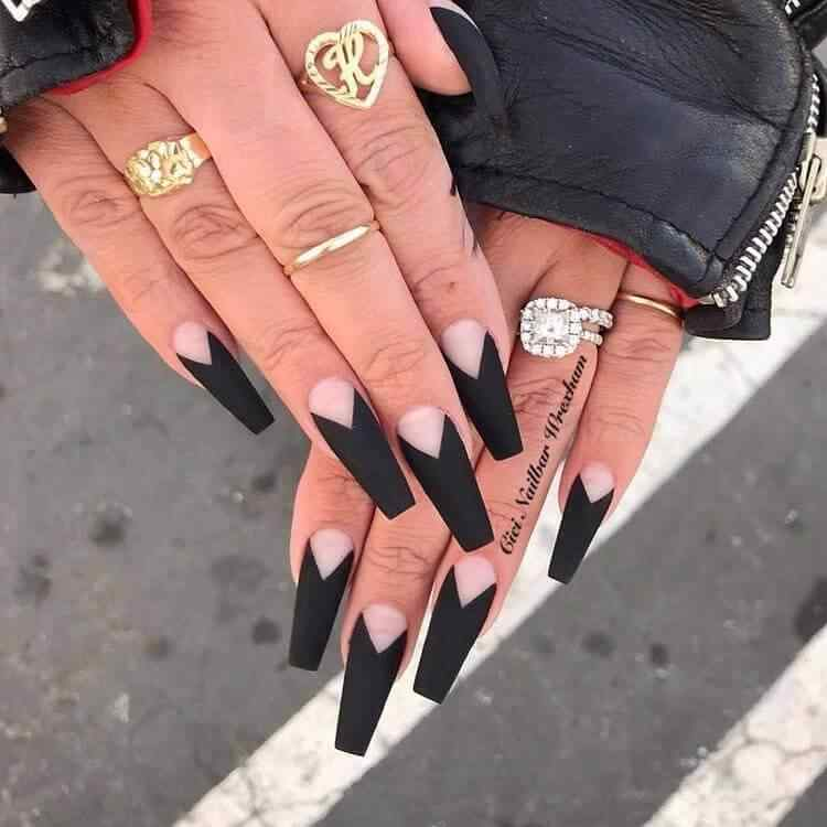 uñas acrilicas negras largas