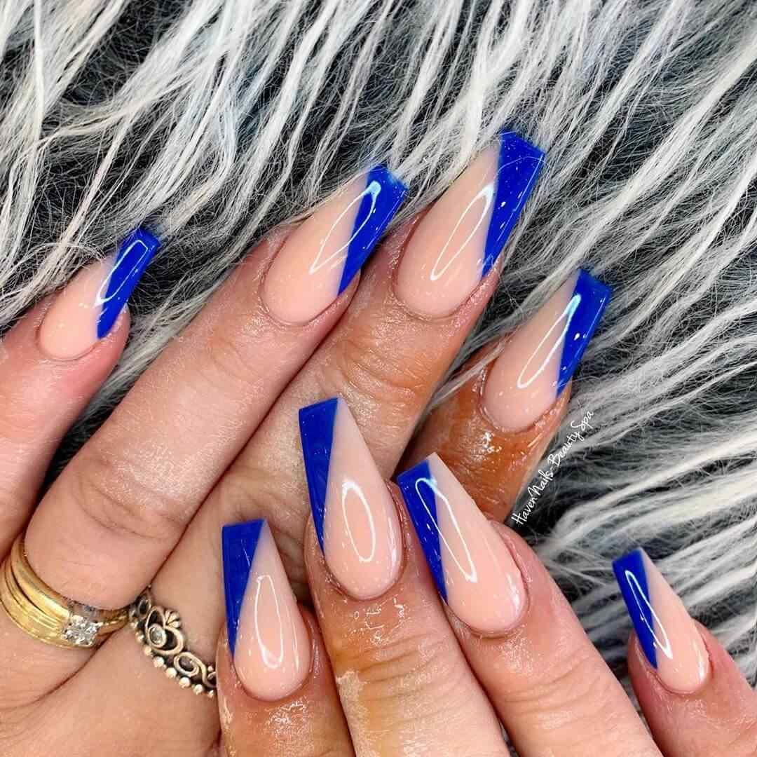 Azul y nude, una hermosa combinación