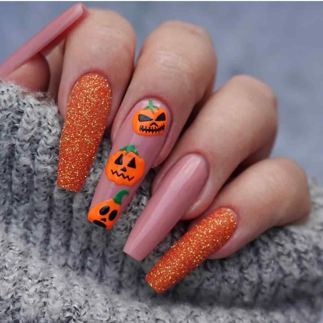 unas con calabaza de halloween