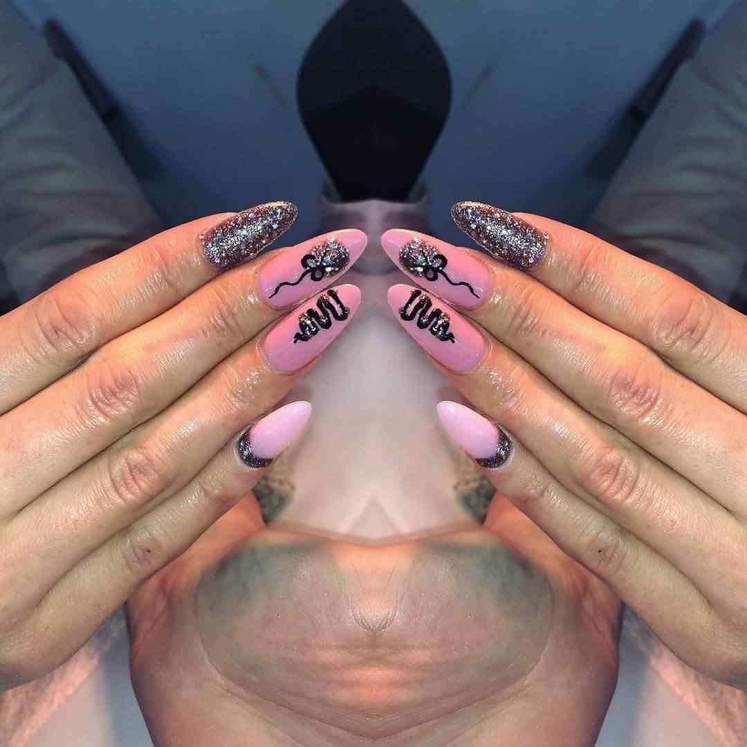 uñas de navidad color rosa