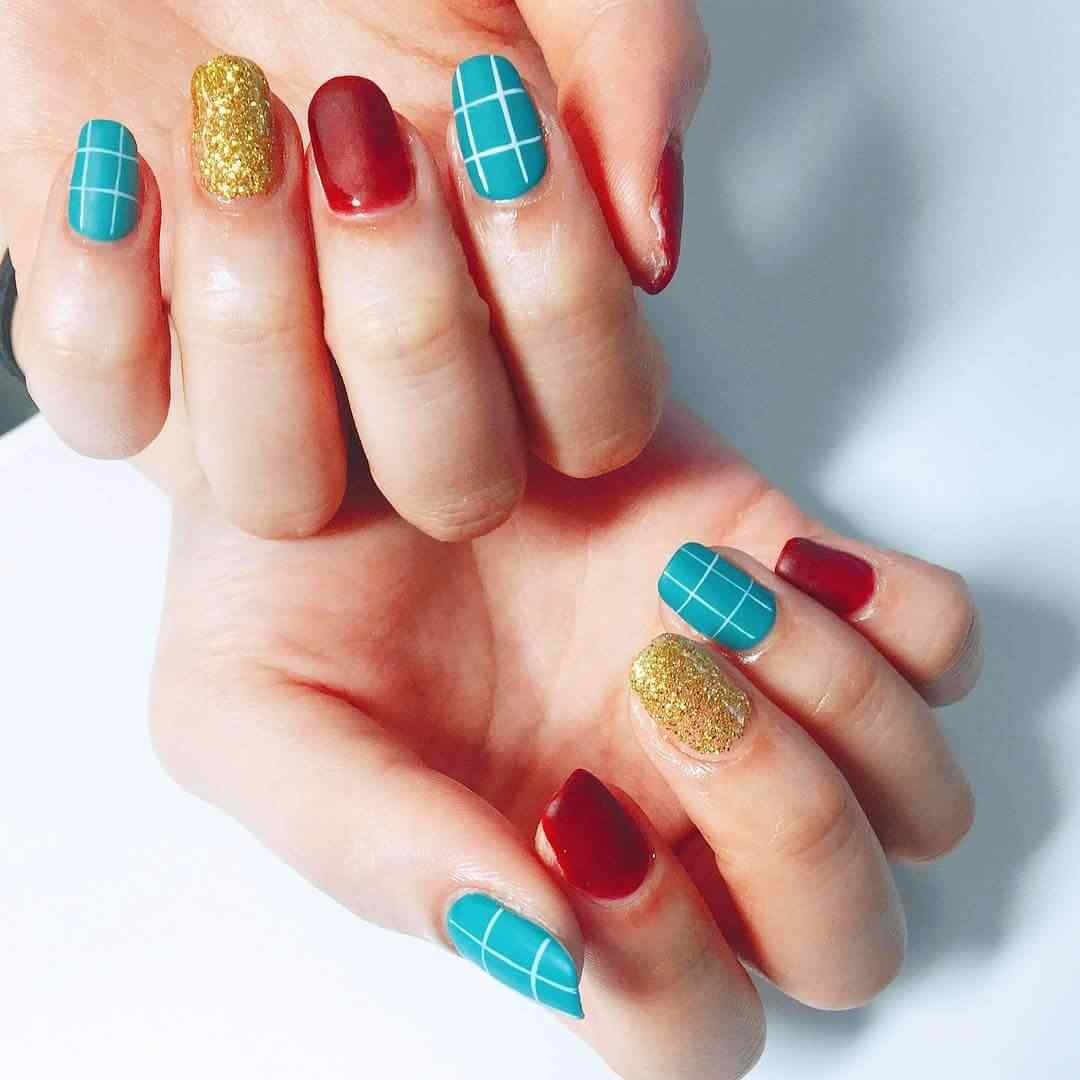 uñas de navidad en colores