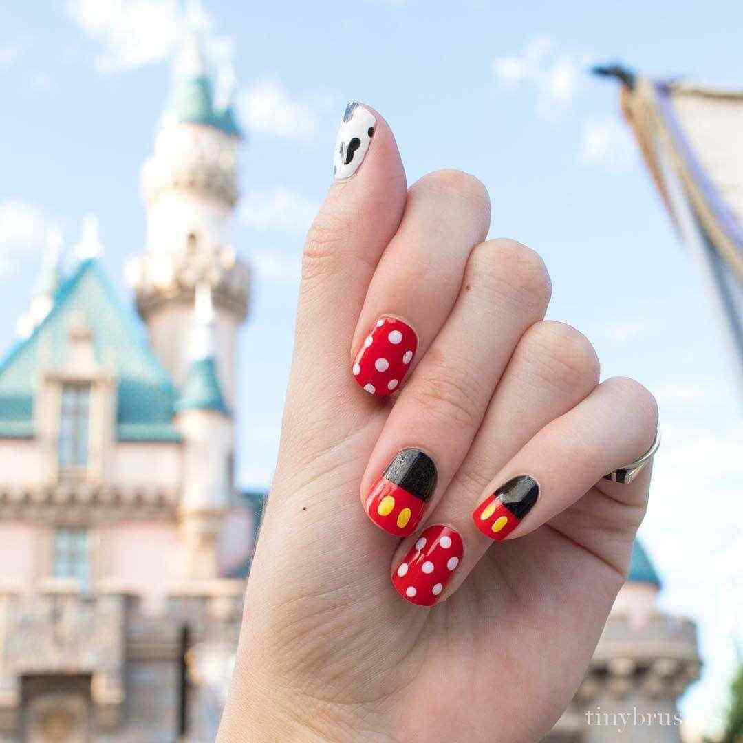 uñas decoradas mickey mouse