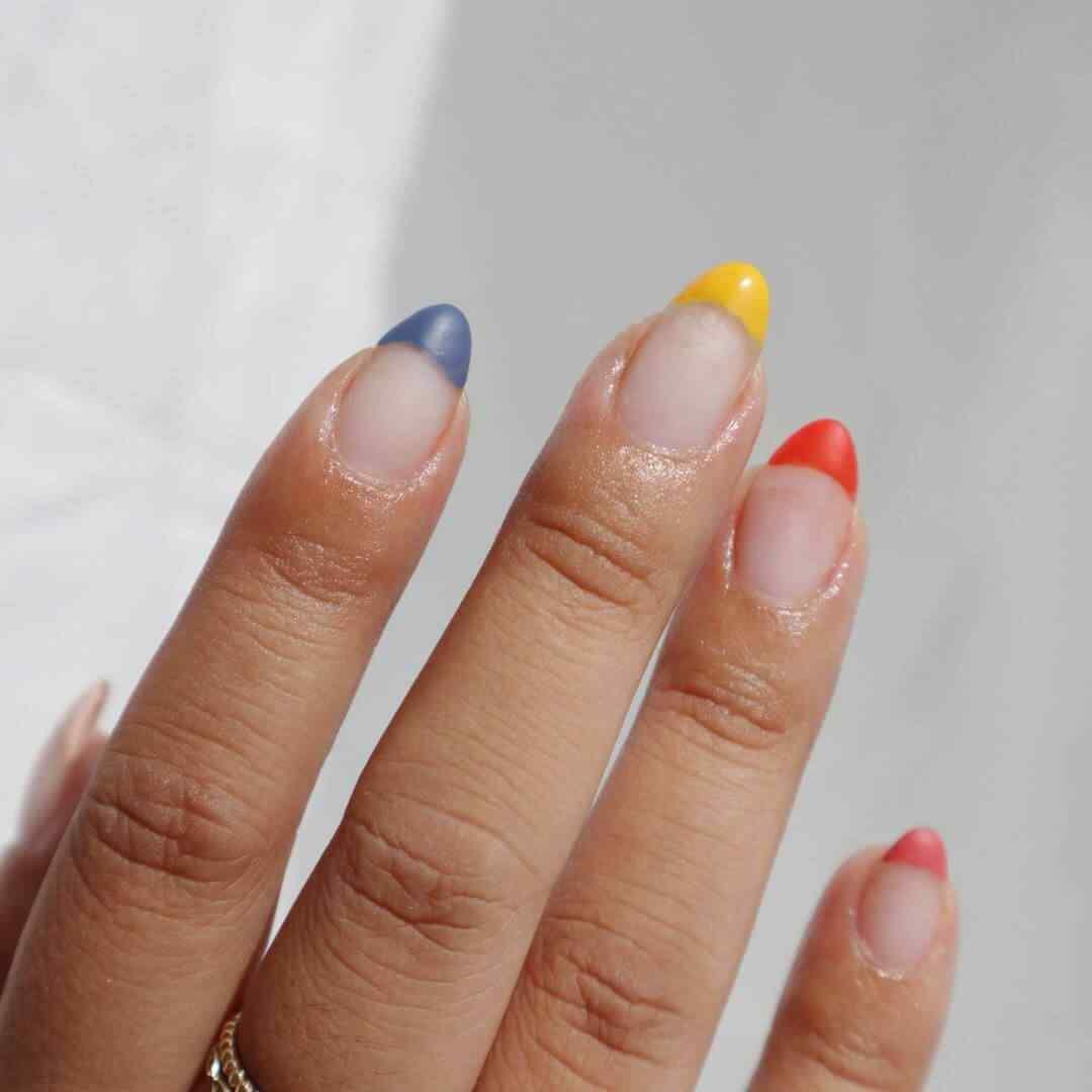 uñas francesas sencillas de colores