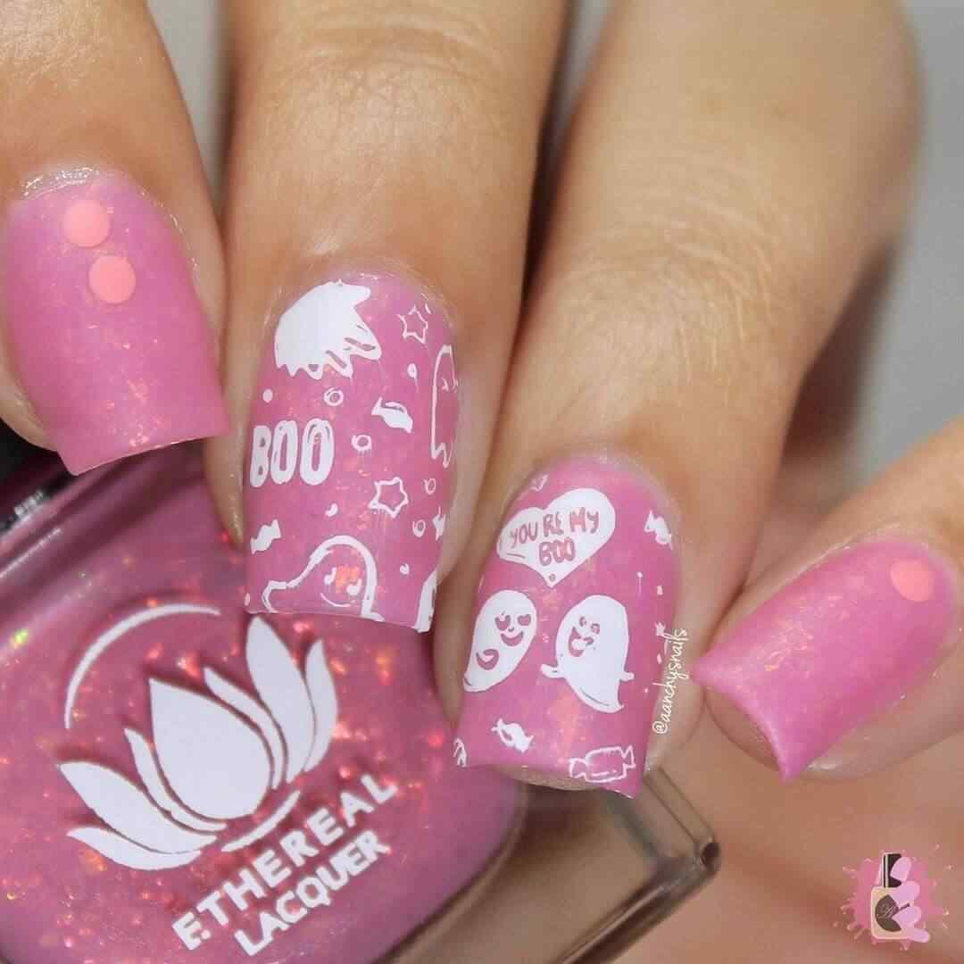 uñas halloween color rosa
