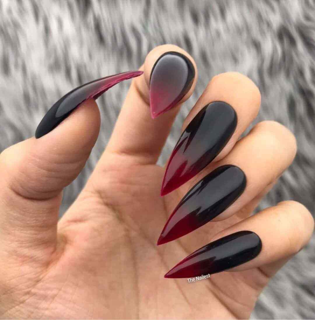 uñas negras acrilicas degradado a vino
