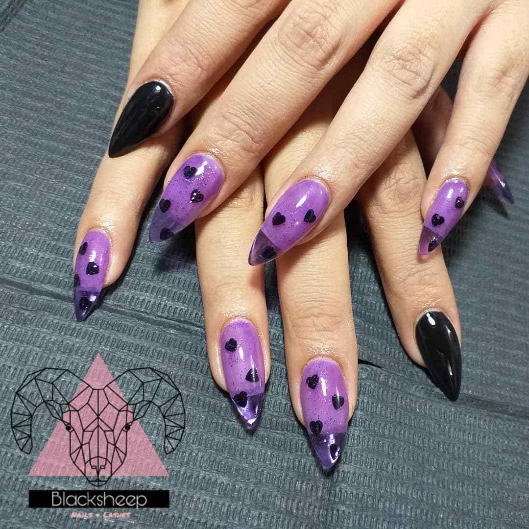 uñas purpura bruja halloween