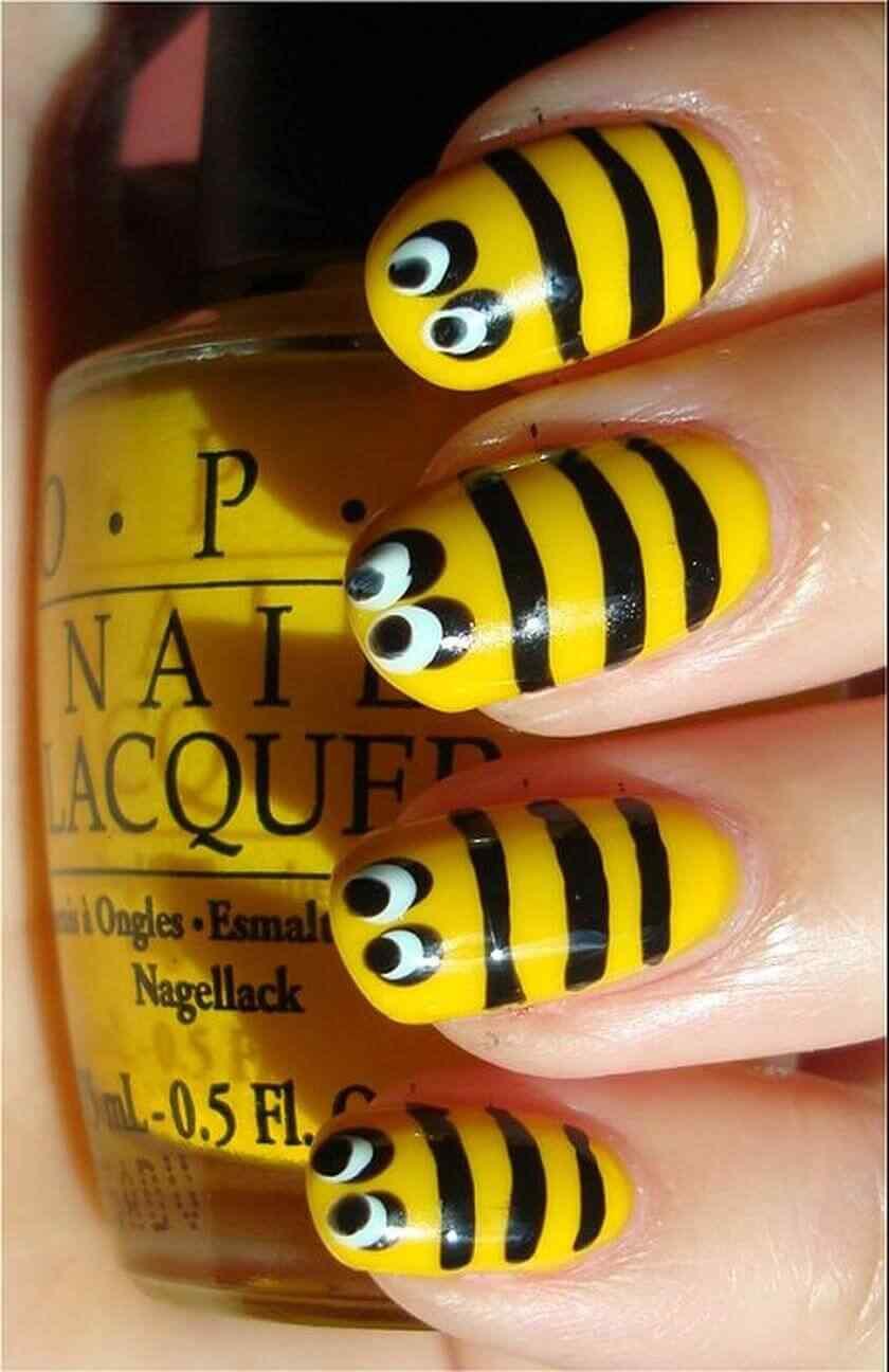 uñas sencillas con abejas