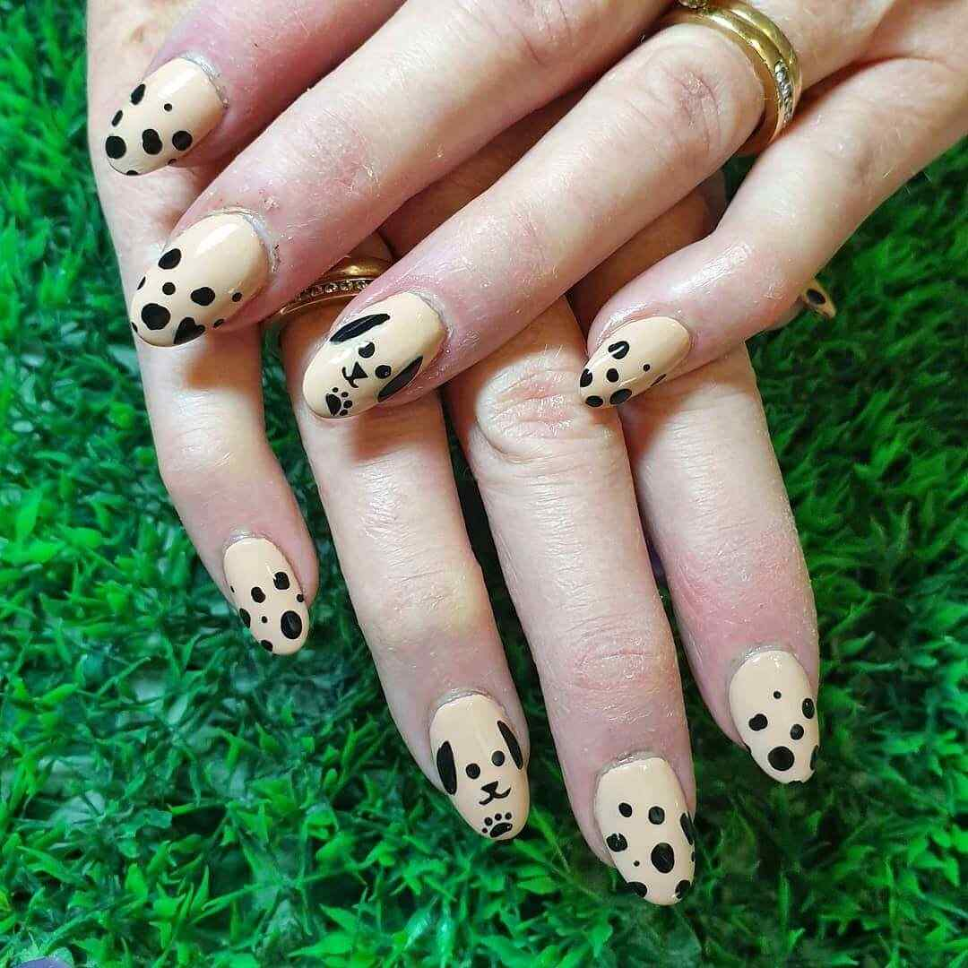 uñas sencillas decoradas con perritos