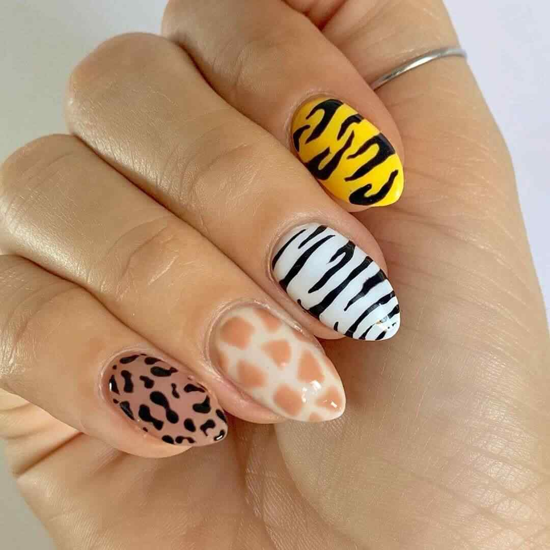 uñas sencillas estampado animal