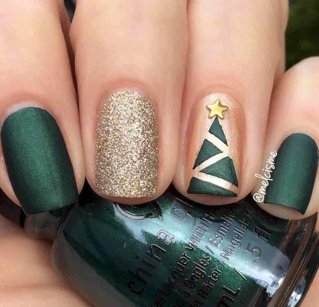 uñas verdes y doradas elegantes para navidad