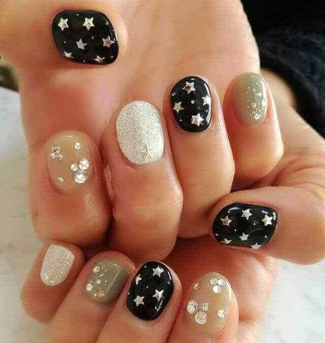 uñas cortas con estrellas