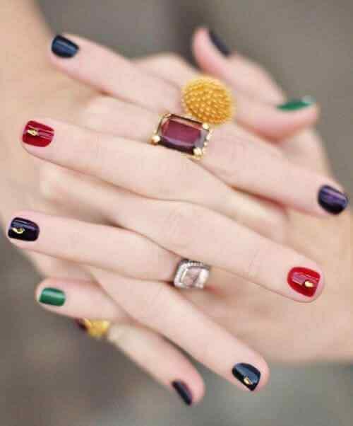 uñas cortas de colores