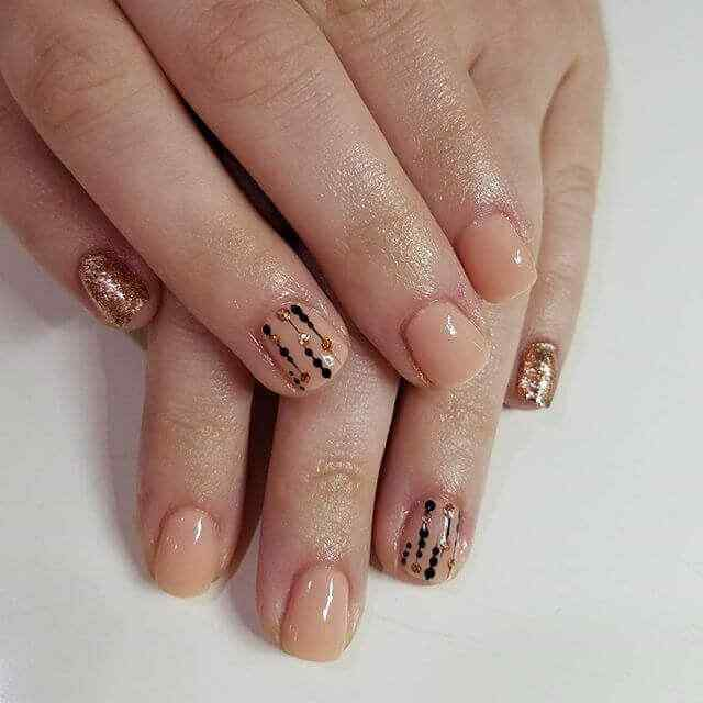 uñas cortas decoradas