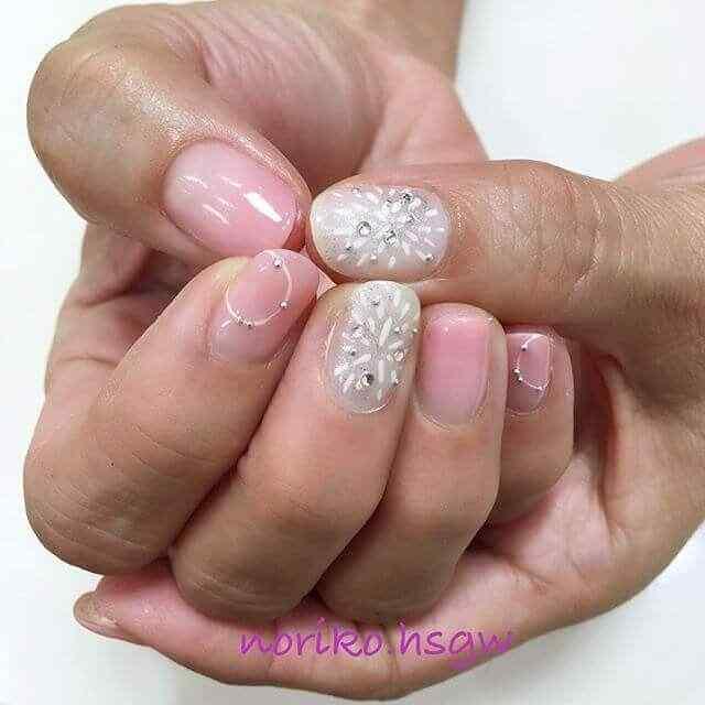 uñas cortas en rosa y natural