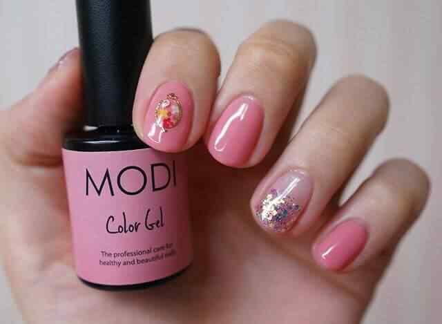 uñas cortas rosa elegantes