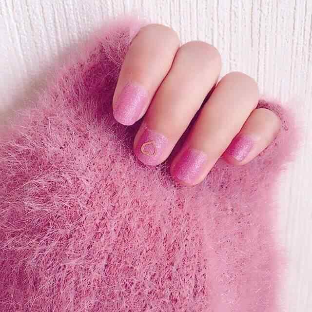 uñas cortas rosa juveniles