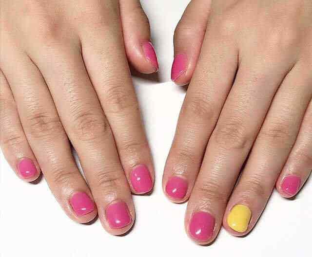 Prueba usar rosa mezclado con amarillo