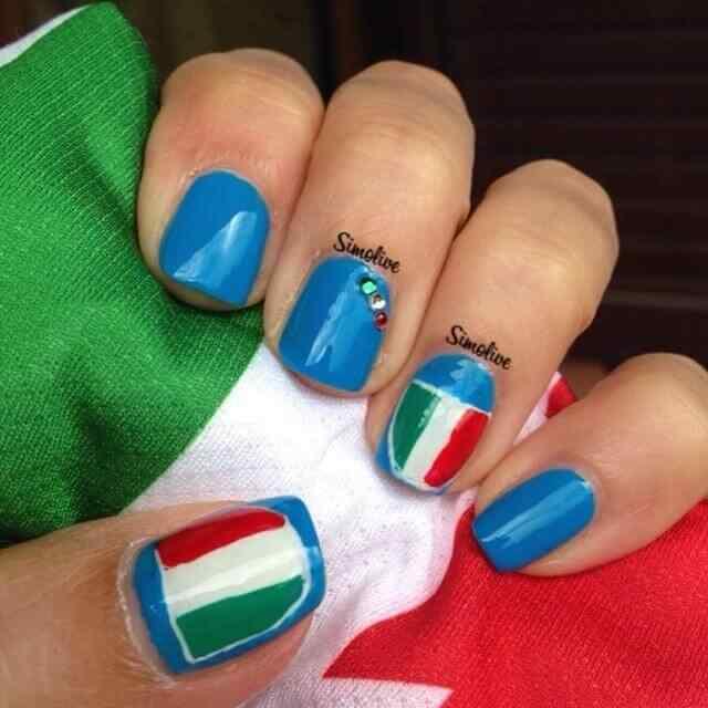 diseño de uñas de italia