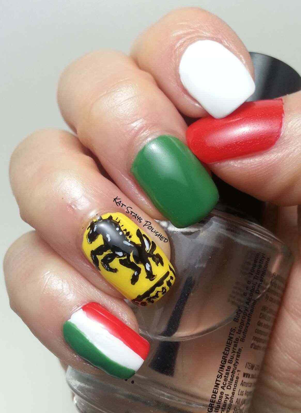uñas decoradas italia