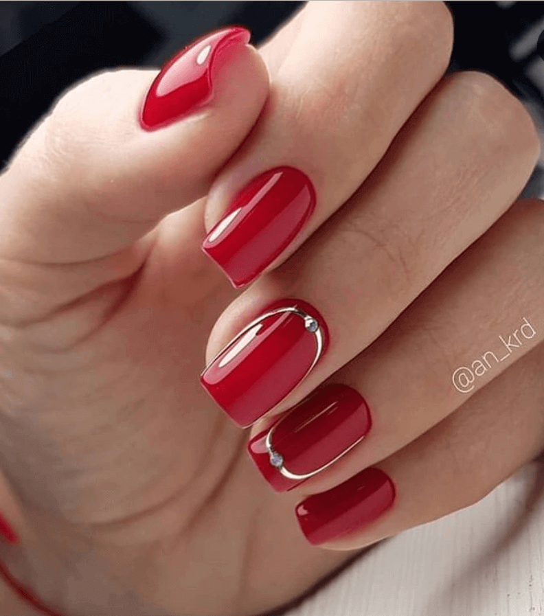 red nail decoration