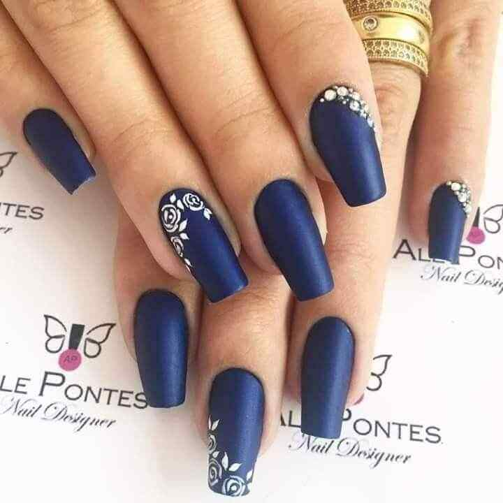 Blue nails king