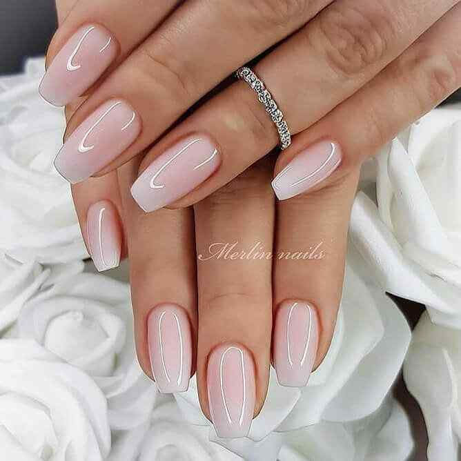Ombre or degraded nails