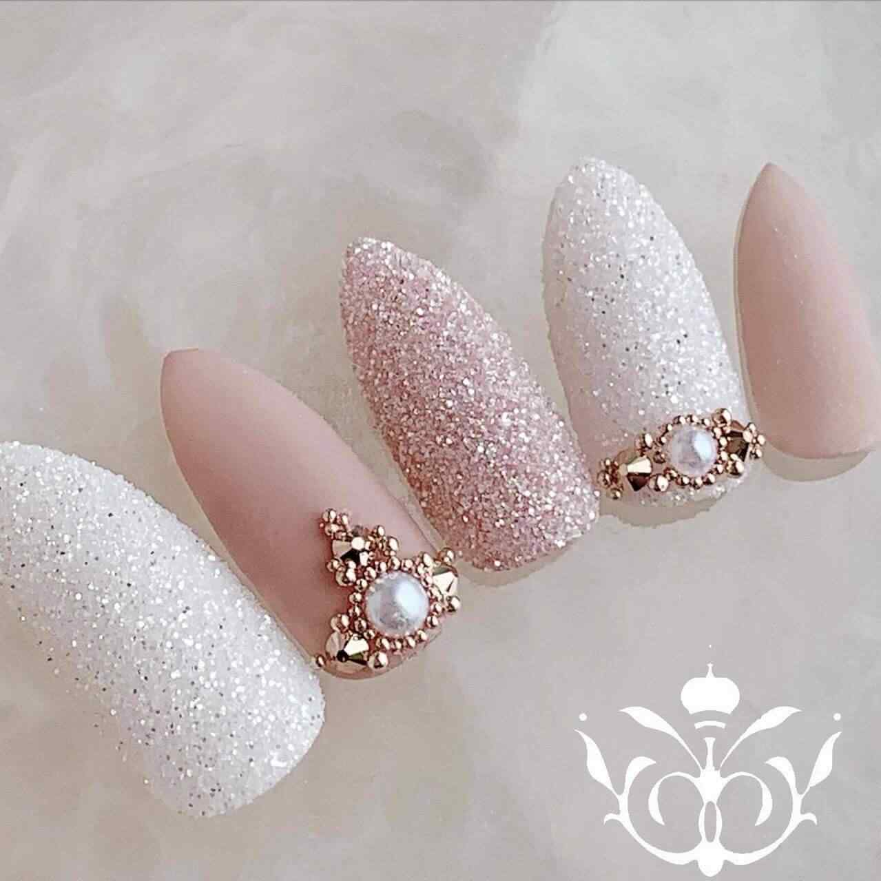 Wedding nail decoration
