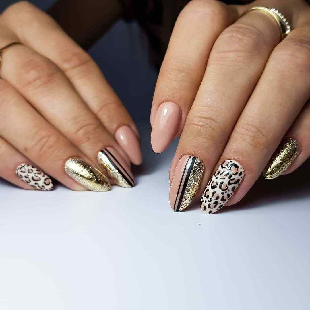 Gold nails animal print