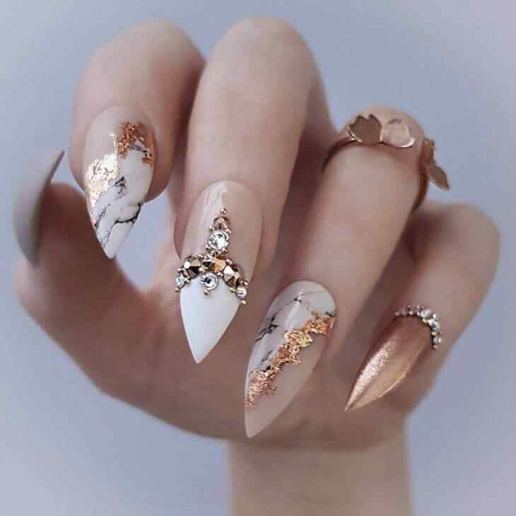 Elegant Gold Nails