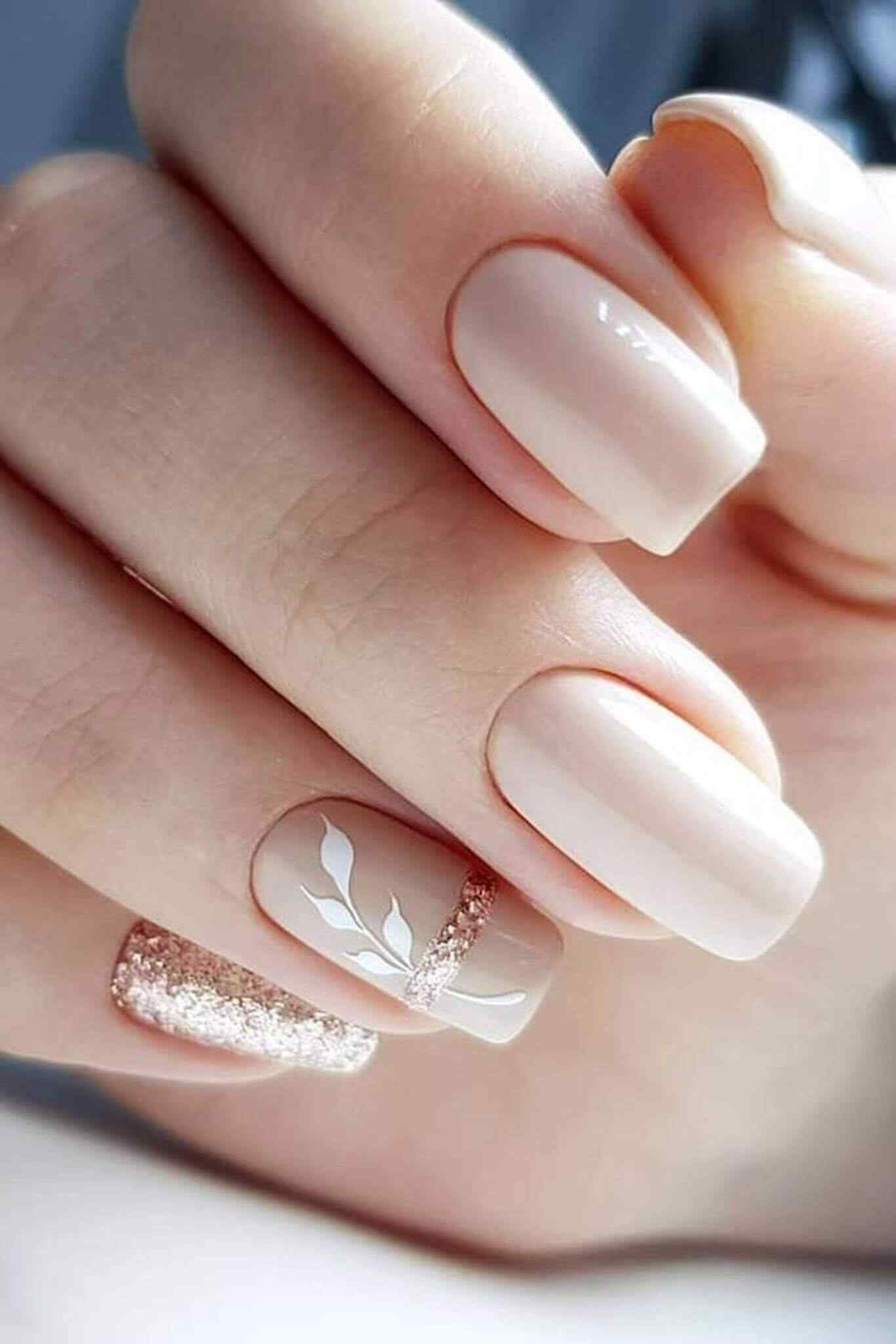 Nacreous white elegant nails