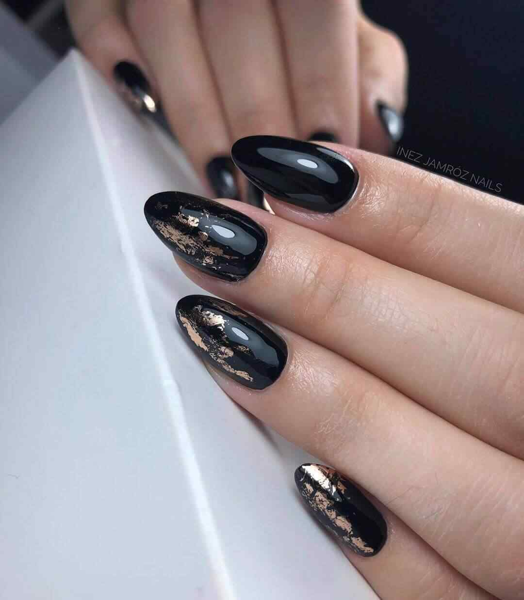 Black nails with gold