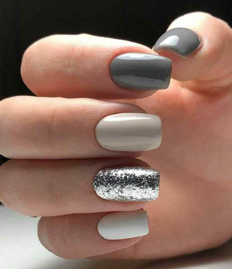 Silver nail decoration