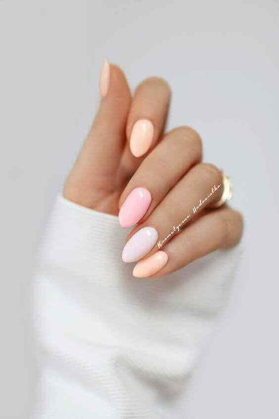 Simple nails in pastel color