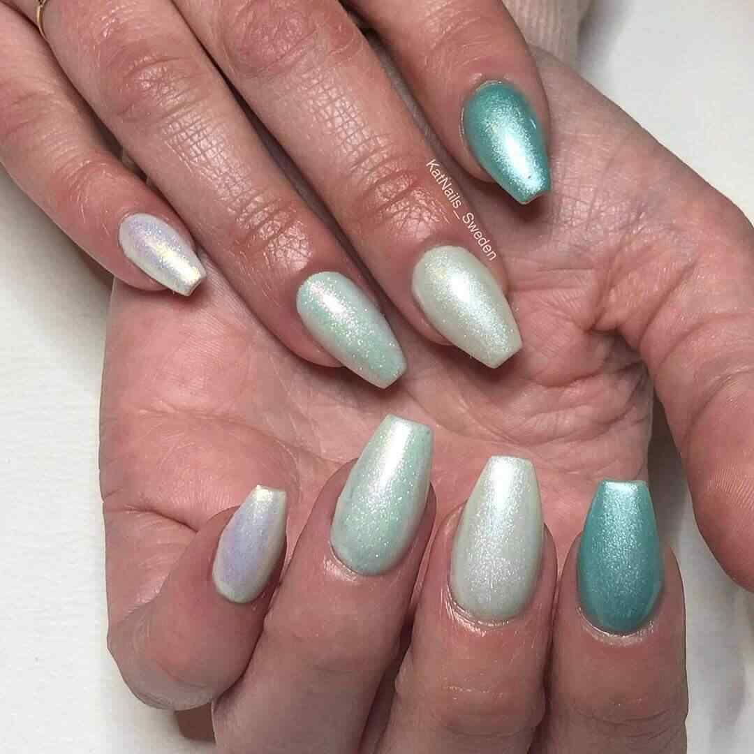 diseños de uñas elegantes verdes mate tonos verde