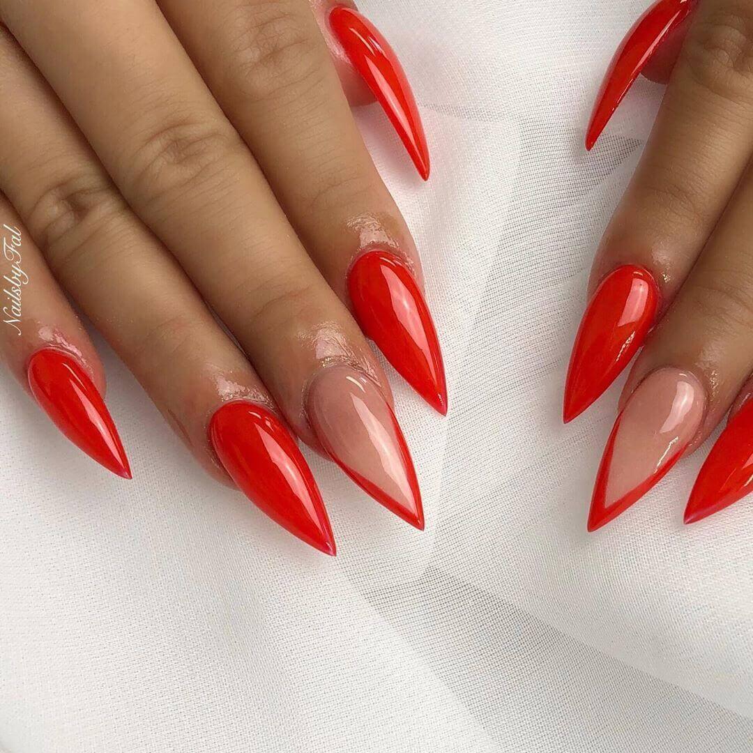 uñas stiletto rojas