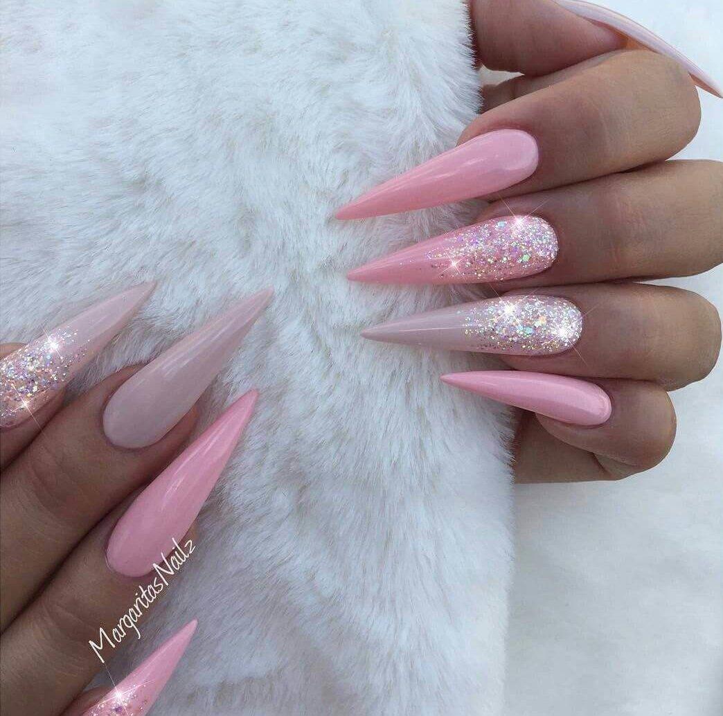 uñas stiletto rosa bebe