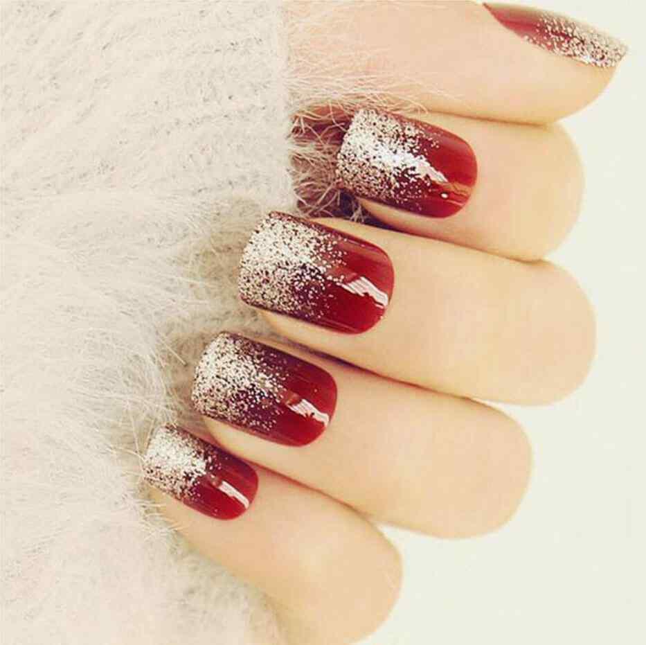 imagenes de uñas color vino y plata