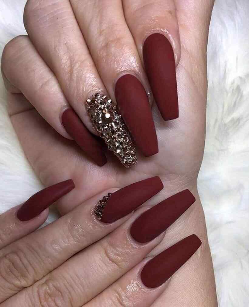 imagenes de uñas vino mate