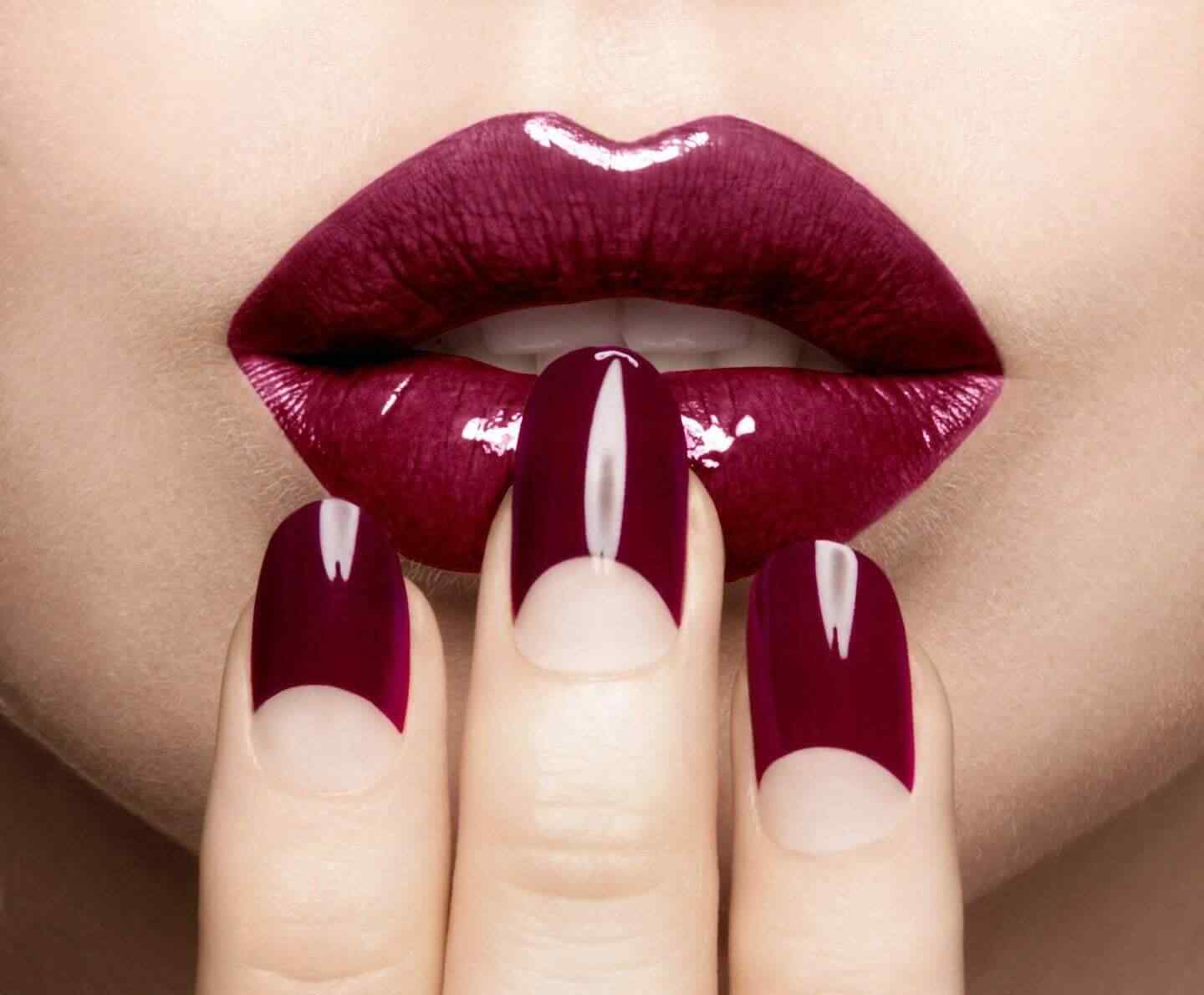 wine color nails trend