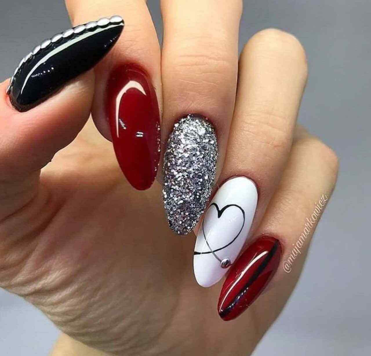combinacion de negro plata rojo y blanco