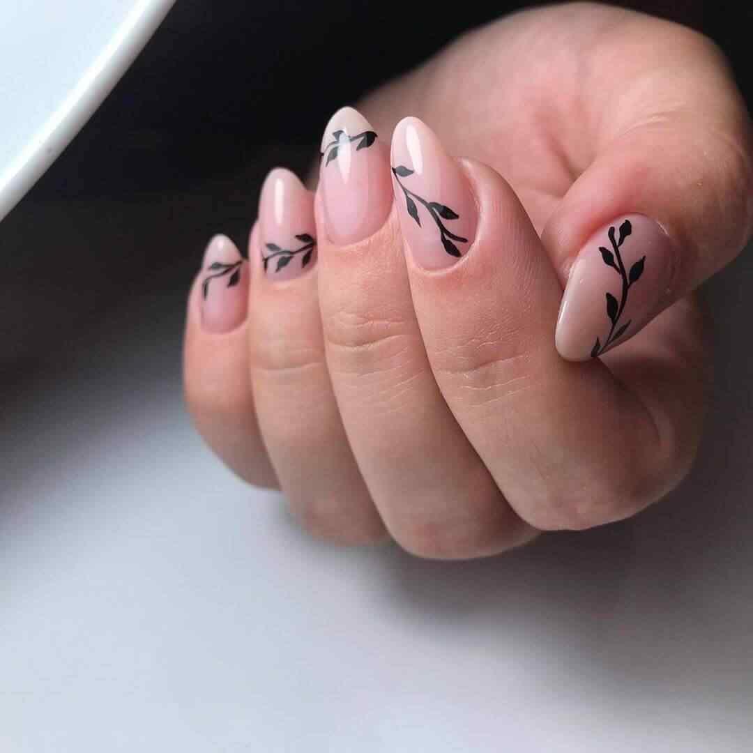 uñas decoradas nude con negro