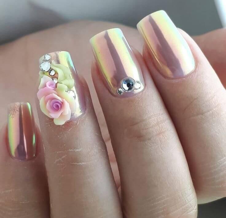 uñas con apliques de flores 3d