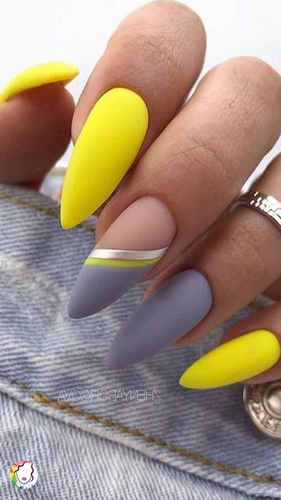 uñas acrilicas gris y amarillo