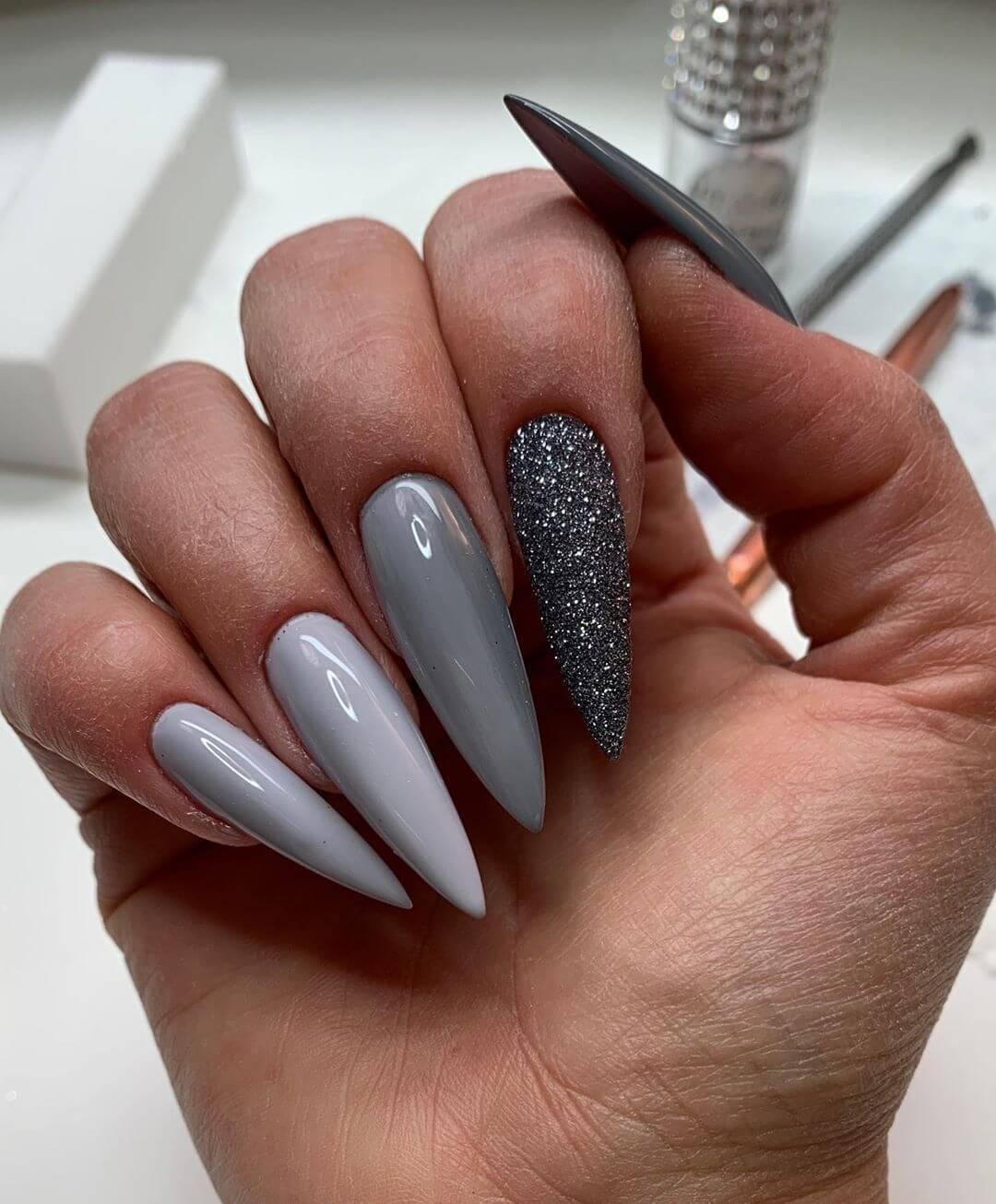 uñas acrilicas grises