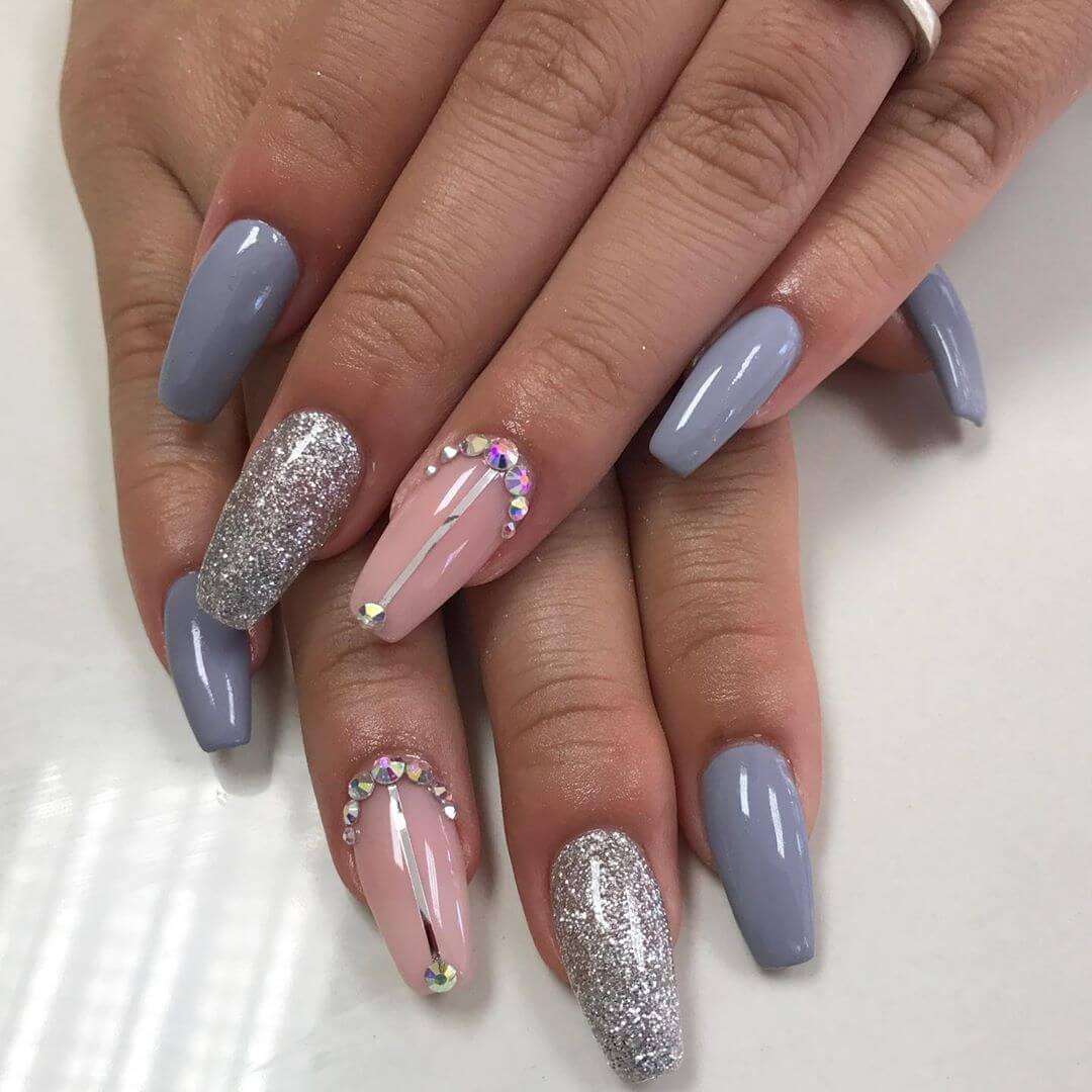 uñas decoradas color gris